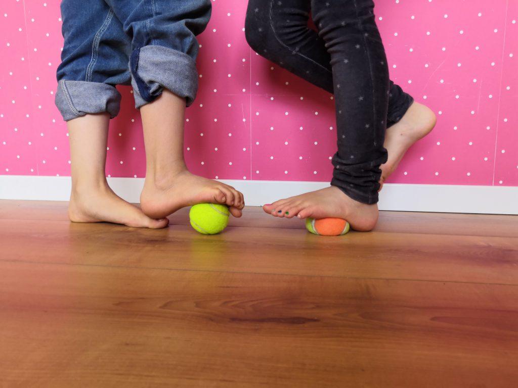 Füße und Bälle